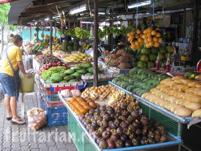 Фруктовый рынок в Пхукет-Тауне