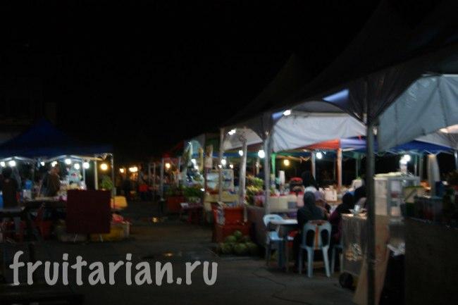 Ночной рынок в Кота Кинабалу