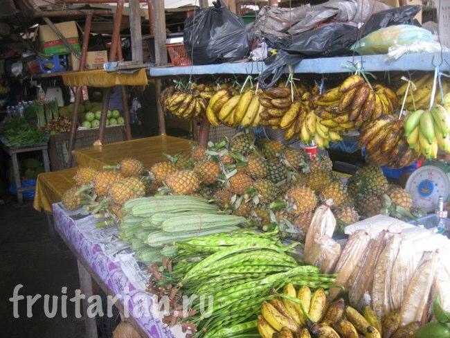 Фруктовый рынок в Кота Белуд