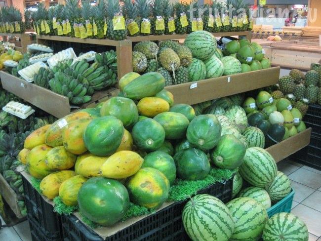 Фруктовый супермаркет в центре Давао