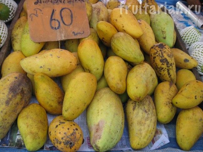 Очень крупные тайские манго