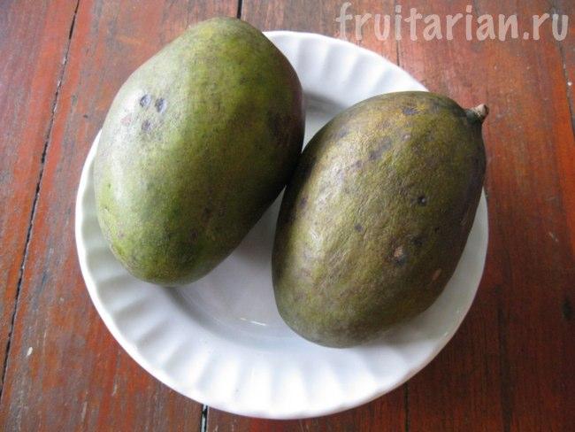Тёмно-зелёные манго