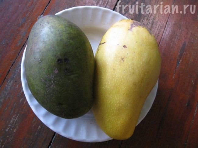 тёмно-зелёные и обычные манго