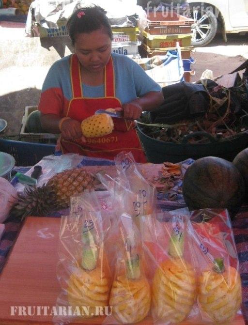 kak-rezat-ananas1