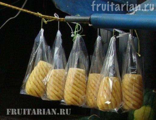 kak-rezat-ananas3