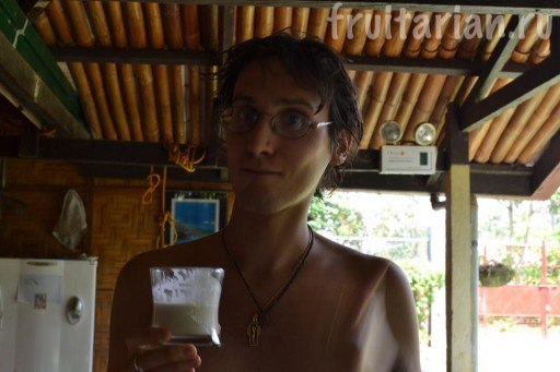 сок из старого кокоса