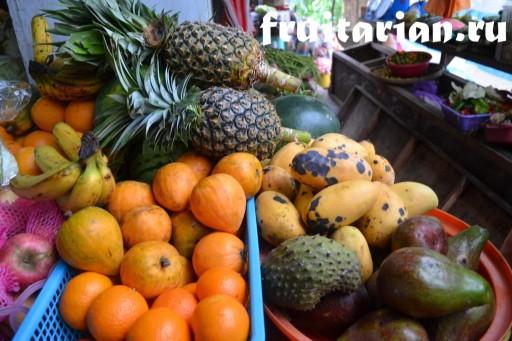 фрукты в Эль Нидо