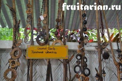 Украшения из кокосов