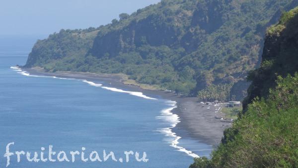 bugbug-beach-bali-black-sand1