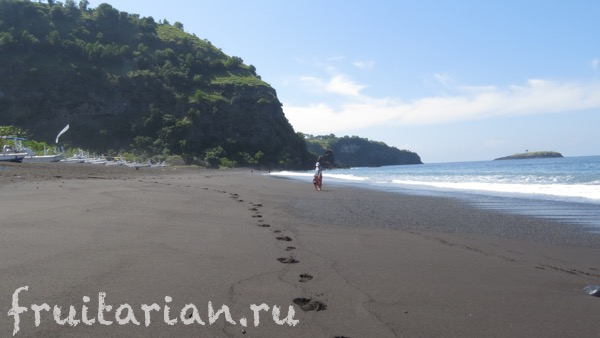 bugbug-beach-bali-black-sand3