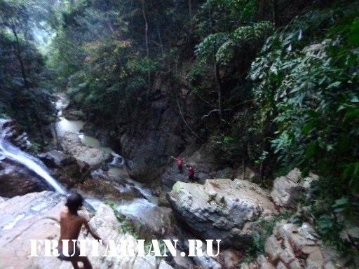 Khun-Si-Waterfall-samui3