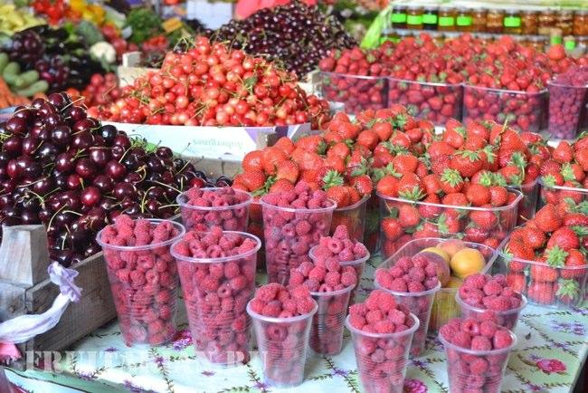 цены на фрукты в судаке в августе