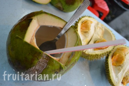 durianovyj-restoran-kafe-kuala-lumpur-09