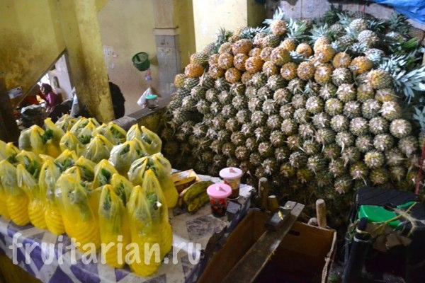 Pasar-Kebon-Roek-Ampenan-fruit-market-lombok-09