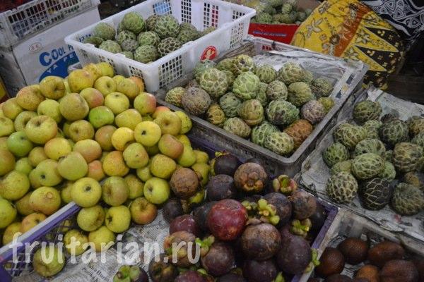 Pasar-Kebon-Roek-Ampenan-fruit-market-lombok-10