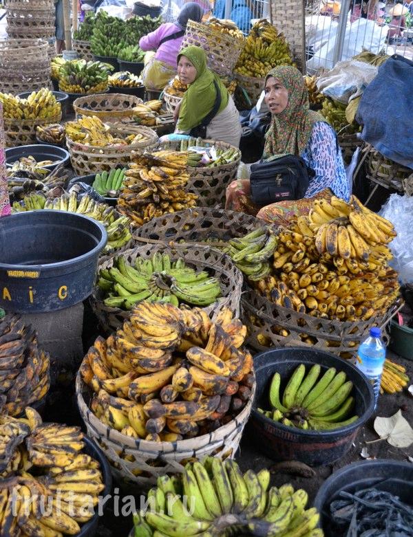 Pasar-Kebon-Roek-Ampenan-fruit-market-lombok-16